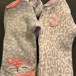 Little girls Carter's 2 pairs pajamas